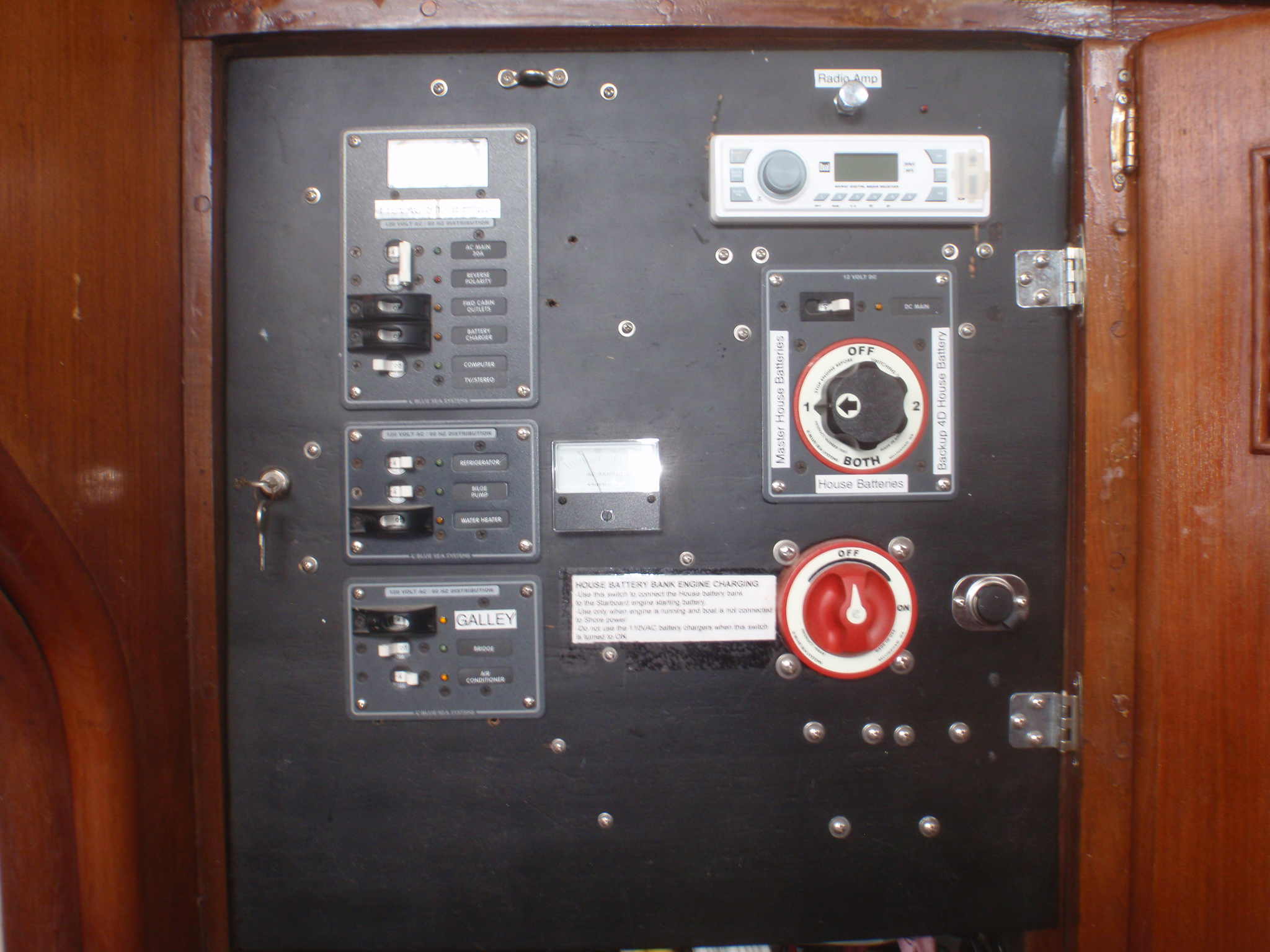 Gulf Trader 1976 Marine 40 Sedan Trawler House Battery Wiring Replaced All Ac And Dc Anchor Tinned Thin Copper Stranded With Terminals Double Crimped Most Soldered Covered Heat